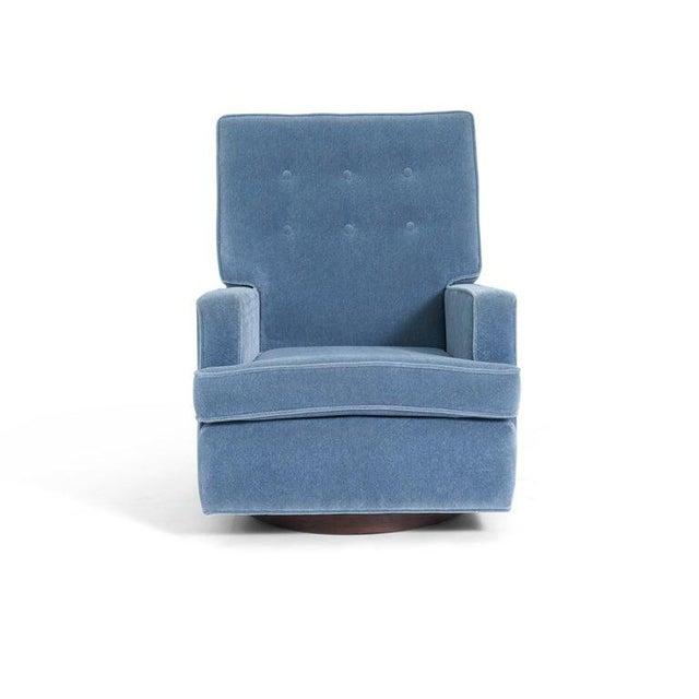 Milo Baughman 1970s Vintage Milo Baughman High Back Swivel Chair For Sale - Image 4 of 6