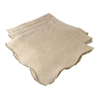 Vintage Ecru Colored Scalloped Edge Linen Napkins - Set of 4 For Sale