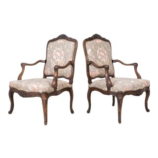 Fine Pair of 18th Century French Louis XV Period Carved Walnut Fauteuils For Sale