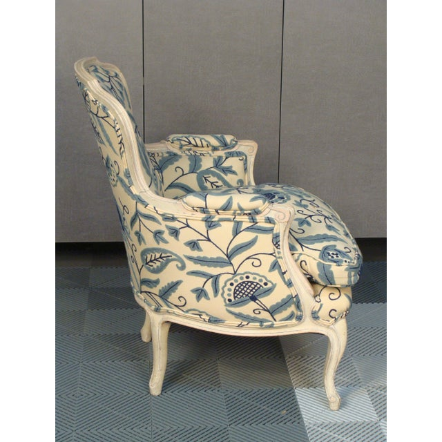 French Louis XV Style Bergere Chairs - A Pair - Image 4 of 8