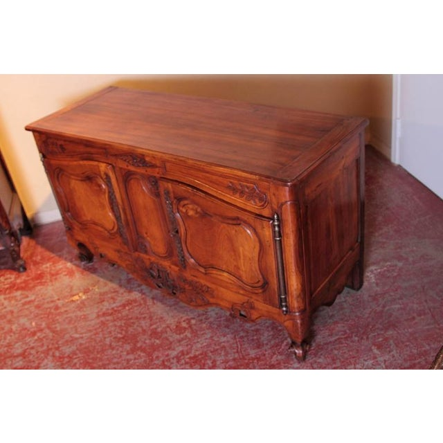 18th Century French Louis XV Carved Walnut Two-Door Buffet from Provence For Sale - Image 4 of 10