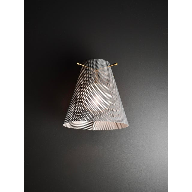 Mid-Century Modern Voile Wall Sconce in Brass and Gray Enamel Mesh by Blueprint Lighting For Sale - Image 3 of 4