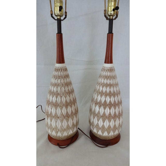 Mid-Century Modern Mid-Century Textured Diamond Pattern Plaster and Teak Lamps - a Pair For Sale - Image 3 of 9
