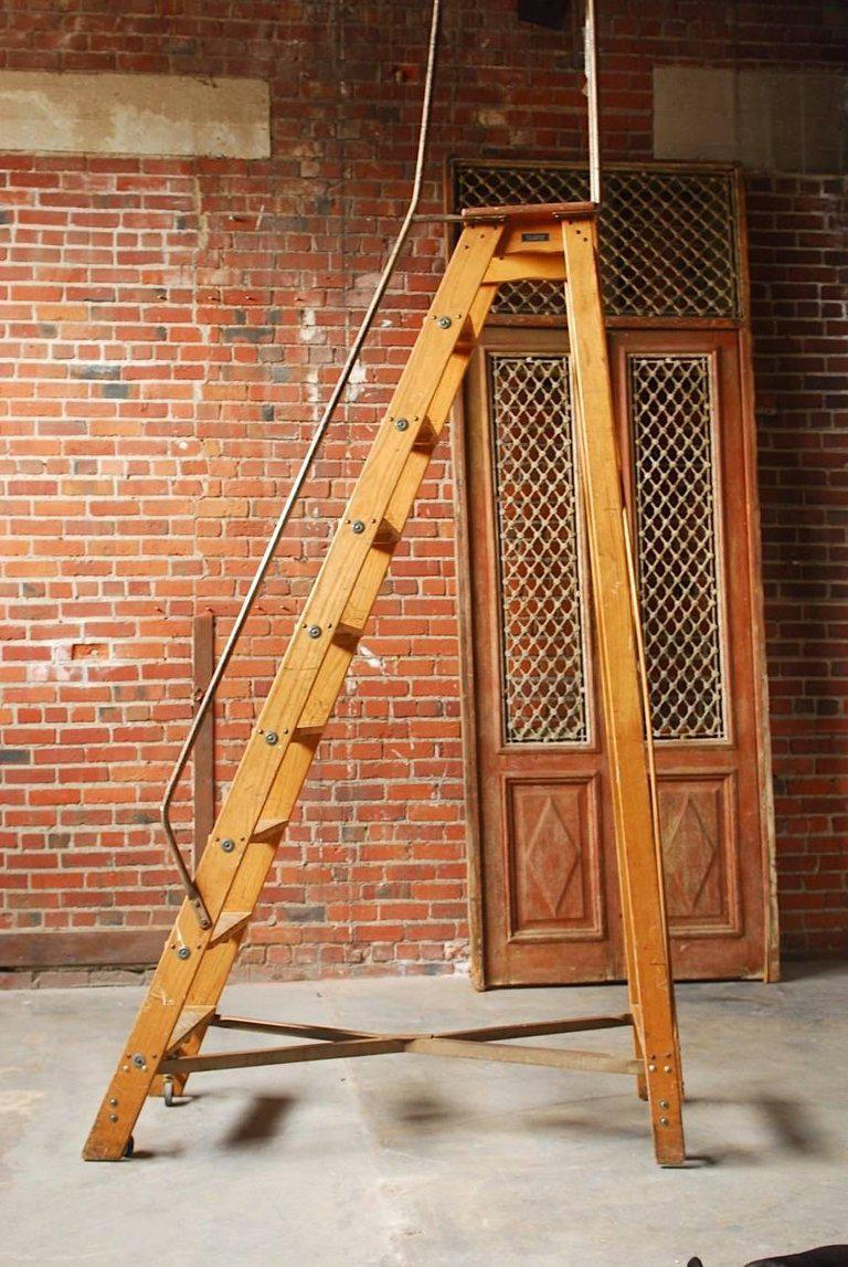 Early 20th Century English Style Oak Library Ladder Staircase Manufactured  By Los Angeles Ladder Company.
