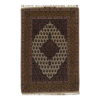 "Persian Isfahan Handmade Silk & Wool Rug - 3'8"" X 5'5"" For Sale"