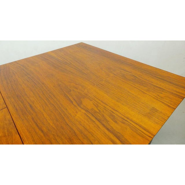 Mid Century Modern Walnut & Rosewood Expanding Dining Table With Butterfly Leaf by Frank and Son For Sale In Orlando - Image 6 of 8