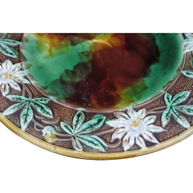 Antique 19th C English Majolica Vine Cheese Server - Image 3 of 4