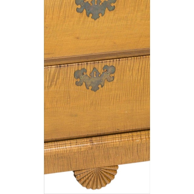 Chippendale 19th Century American Chippendale Style Curly Tiger Maple Highboy Chest of Drawers For Sale - Image 3 of 8