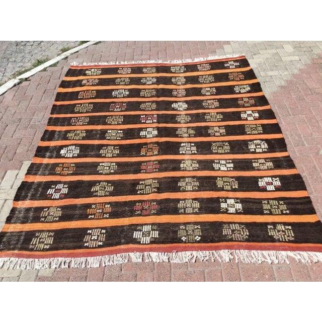 Vintage Turkish Kilim Rug For Sale - Image 11 of 11