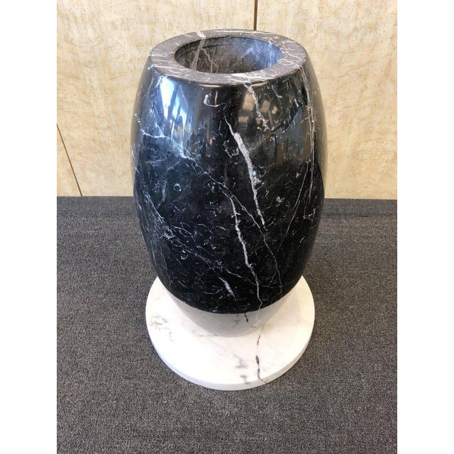 1980s Italian Carrara and Black Marble Dining Table For Sale In Palm Springs - Image 6 of 8