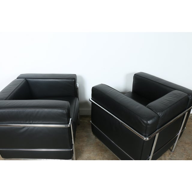 Black Le Corbusier Style Black Leather Club Chairs - A Pair For Sale - Image 8 of 11