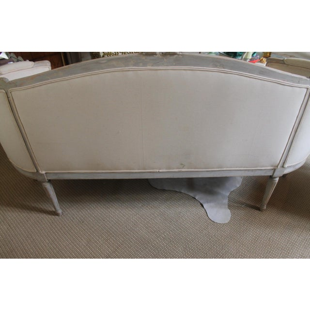 White 19th Century Vintage Louis XVI Style French Settee For Sale - Image 8 of 9