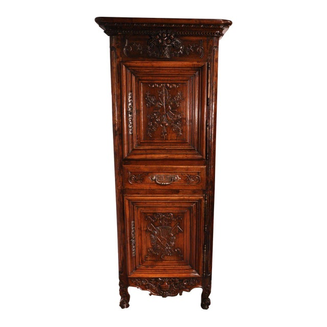 19th Century Louis XV French Carved Walnut Homme-Debout Cabinet For Sale