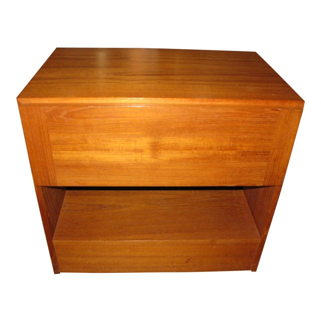 Mid-Century Danish Modern Teak Vinde Mobelfabrik 1-Drawer Nightstand For Sale