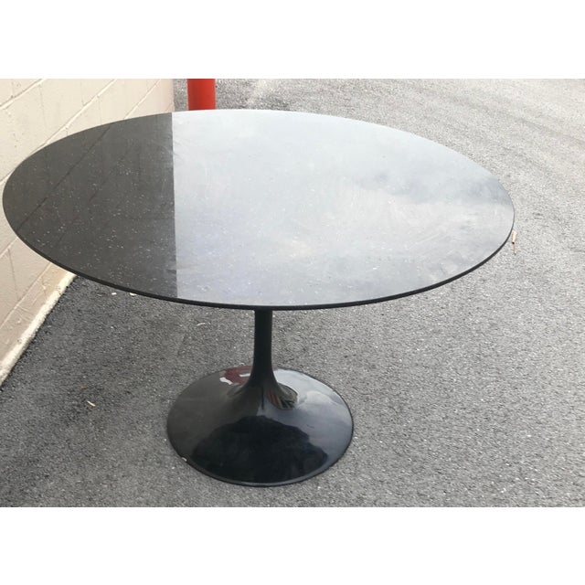 Stone 1980s Contemporary Marble Tulip Dining Table For Sale - Image 7 of 9