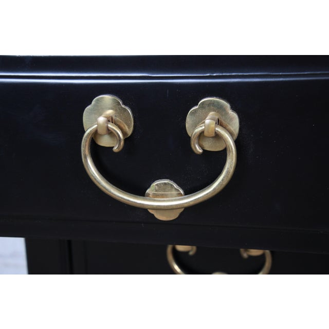 Black Henredon Mid-Century Hollywood Regency Ebonized Bachelor Chests or Large Nightstands, Pair For Sale - Image 8 of 13