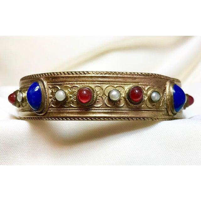 Art Nouveau 1920s Austrian Lapis-Blue Glass Cabocon Jeweled Bangle For Sale - Image 3 of 7