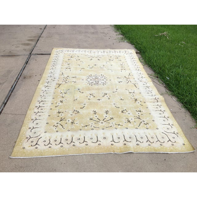 Yellow 1980s Yellow Oushak Anatolian Lowpile Distressed Rug - 6′2″ × 9′4″ For Sale - Image 8 of 8
