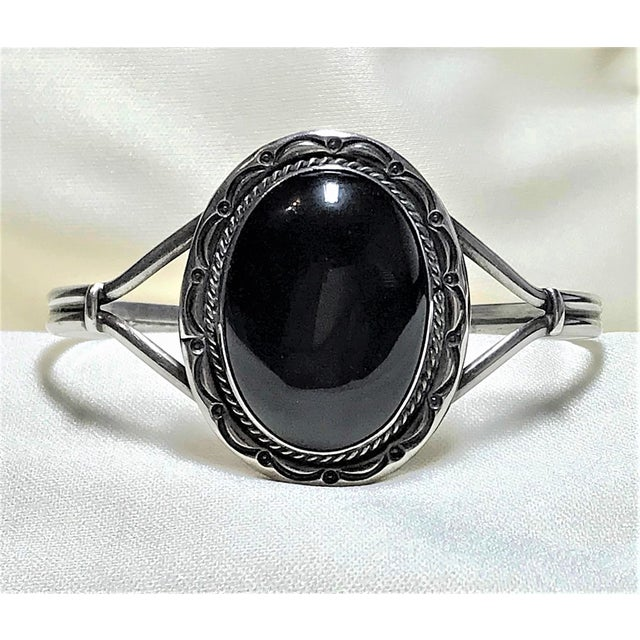Metal 1980s Navajo Sterling and Onyx Bracelet For Sale - Image 7 of 7