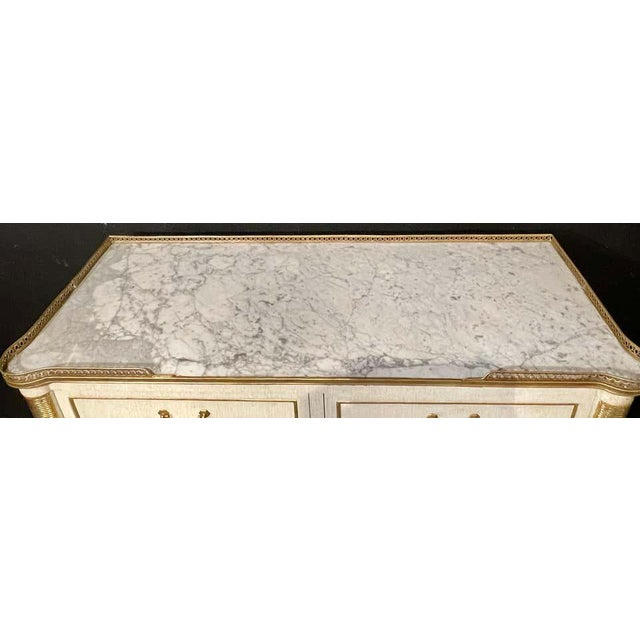 Pair of Jansen Style Marble Top Commodes / Nightstands Painted Linen Finished For Sale In New York - Image 6 of 13