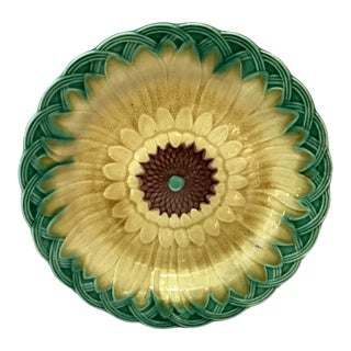19th Century Wedgwood Majolica Sunflower Plate For Sale