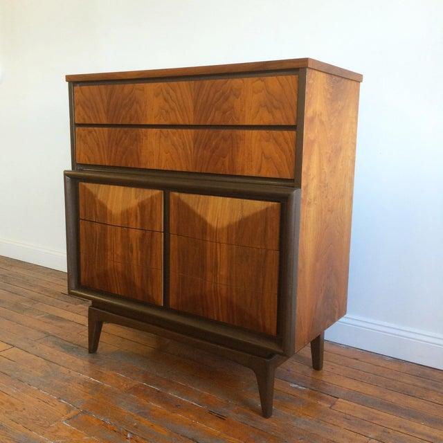 Mid-Century Modern United Furniture Diamond Highboy Dresser For Sale - Image 3 of 7