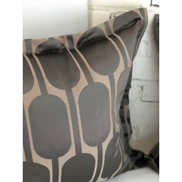 "Pair of 24"" Pillows in Jim Thompson Black Parrot For Sale - Image 4 of 8"