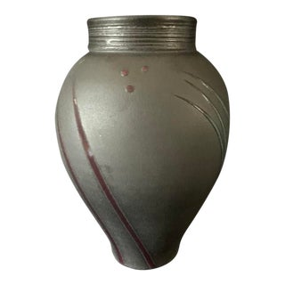 Beautiful Michael Cho (Pa) Studio Pottery Vase For Sale