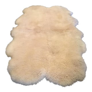 "Australian Sheepskin Lambswool Rug - 4'5"" x 6'5"" For Sale"