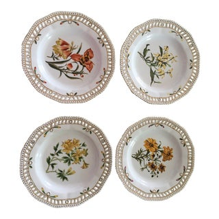 Chelsea House Botanical Plates - Set of 4 For Sale