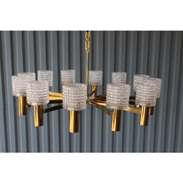 1960s 1960s Italian Chandelier With Cut Crystal Shades by Arredoluce Monza For Sale - Image 5 of 7