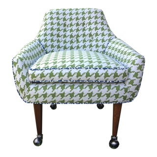Mid-Century Modern Green and White Houndstooth Accent Chair on Casters For Sale