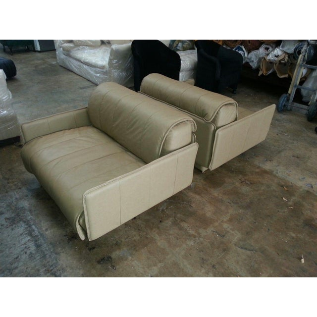 """Pair of De Sede of Switzerland """"1986"""" Oversized Modern Leather Chairs For Sale - Image 10 of 13"""