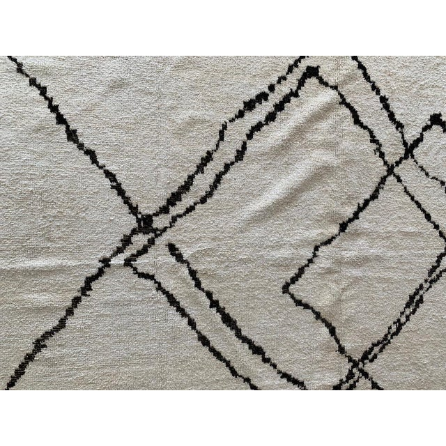 """Morrocan Style Hemp Black & White Rug - 12' X 8' 8"""" For Sale - Image 4 of 5"""