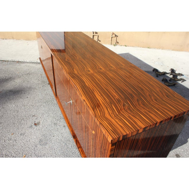 1940sArt Deco Exotic Macassar Ebony Sideboard / Buffet For Sale - Image 4 of 13