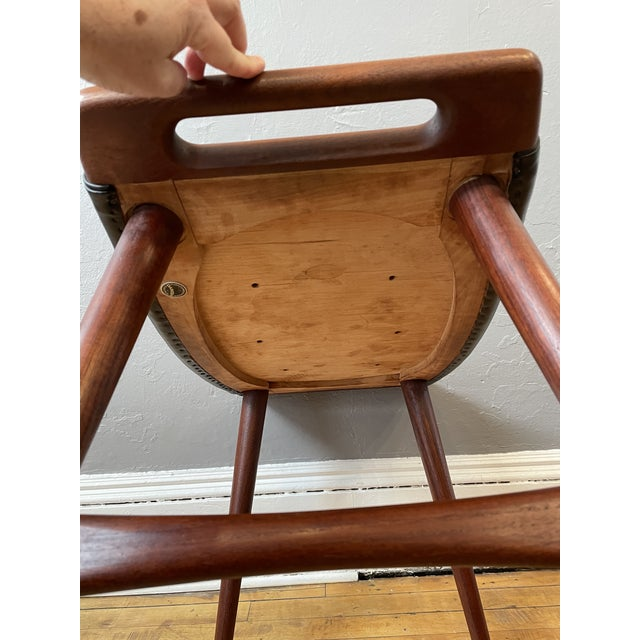Black 1950s Hans Wegner Piano Stool in Teak and Black Leather For Sale - Image 8 of 10