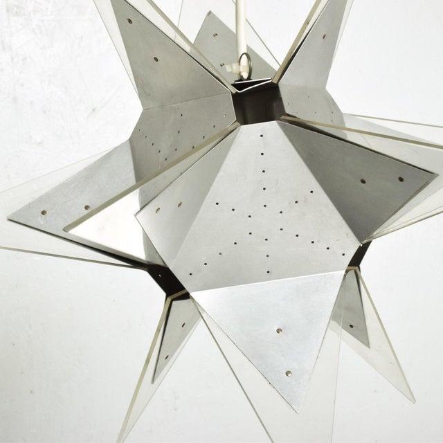 1960s Mid-Century Modern Aluminium and Plexiglass Moravian Star Pendant Lamp, 1960s For Sale - Image 5 of 7