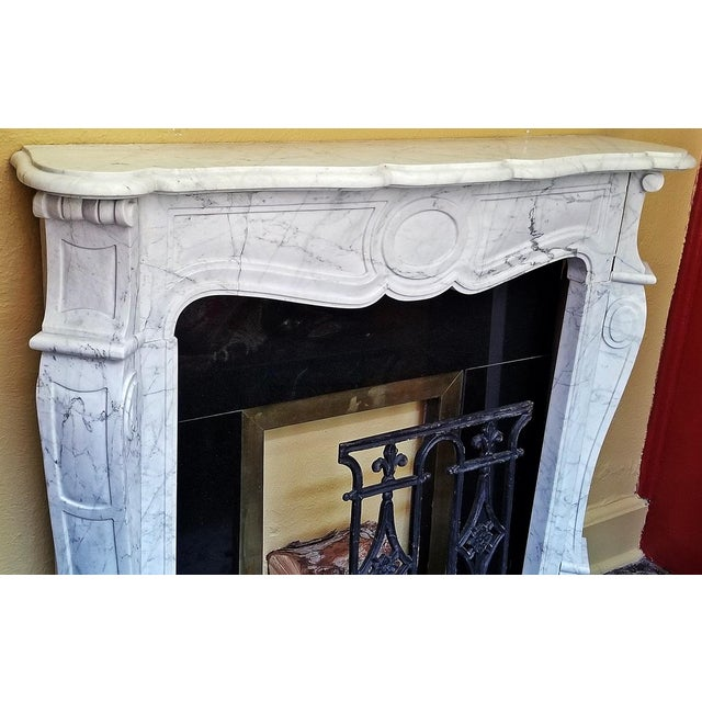 Mid 20th Century 20c Irish White Marble Fireplace - Complete For Sale - Image 5 of 11