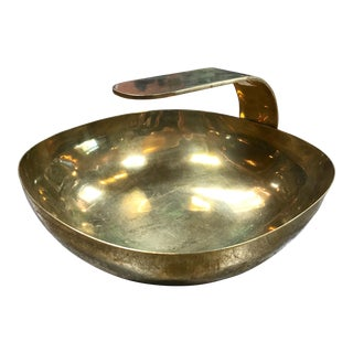 1960s Mid-Century Modern Polished Brass Bowl With Handle For Sale