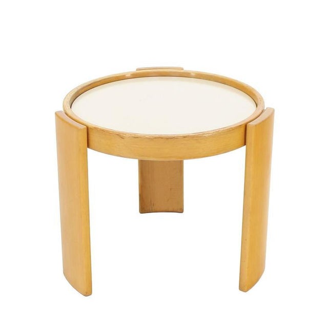 Cassina Set of Four Nesting Round Tables For Sale In New York - Image 6 of 9