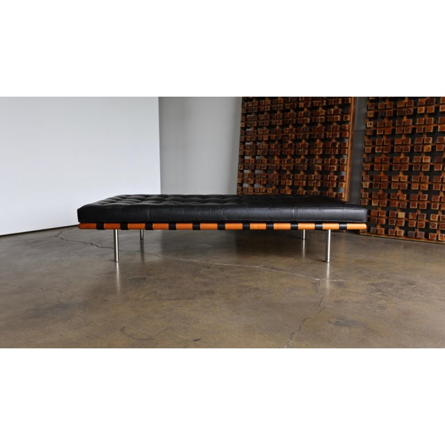 1980s Mies Van Der Rohe Leather & Walnut Daybed for Knoll, 1983 For Sale - Image 5 of 11