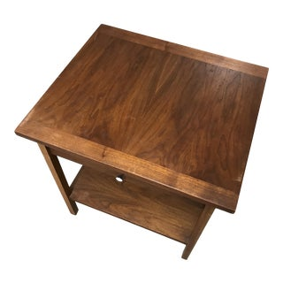 Mid-Century Modern Lane Walnut End Table With Drawer For Sale