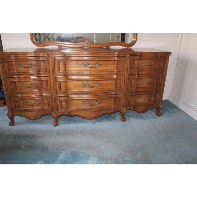 Thomasville Bedroom Dresser & Mirror