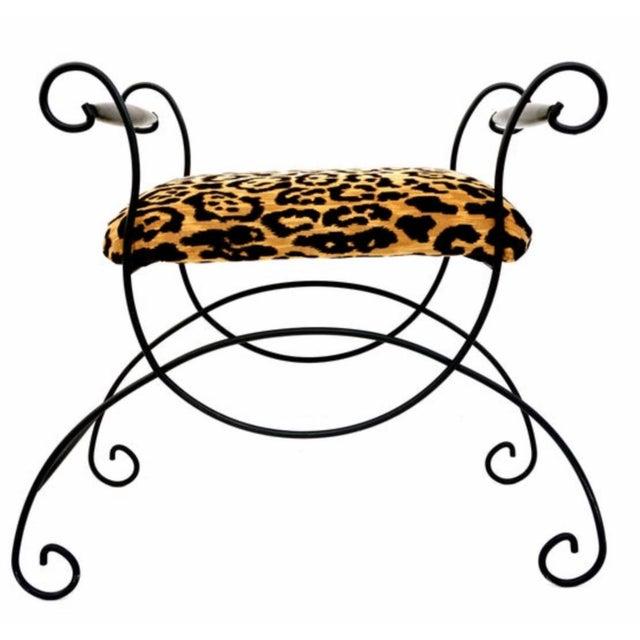 Mid-Century Hollywood Regency Leopard Velvet Empire Style Vanity Bench For Sale - Image 4 of 10