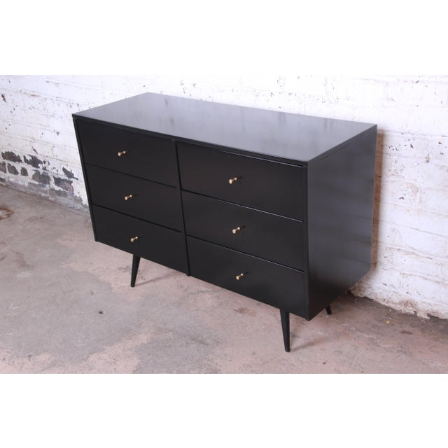 """Winchendon Furniture """"Planner Group"""" Paul McCobb Planner Group Ebonized Six-Drawer Dresser, Newly Restored For Sale - Image 4 of 11"""