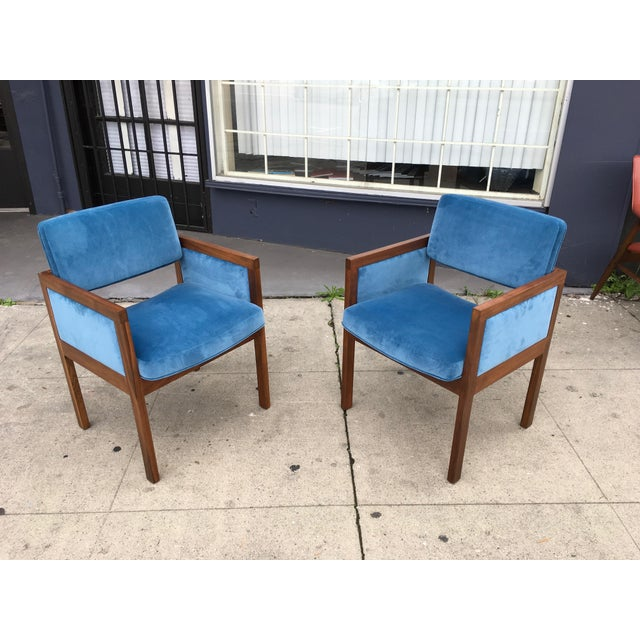 These are an amazing pair of Mid Century arm chairs by Robert John. These are fantastic examples of American Mid century...