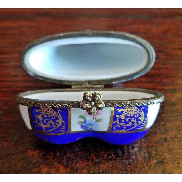 19th Century French Porcelain Limoges Heart Shaped Box For Sale - Image 11 of 12