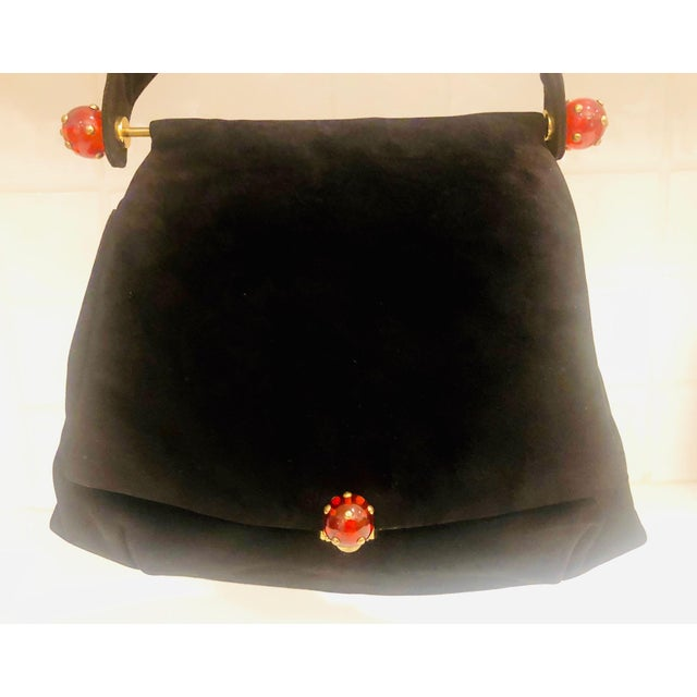 Art Deco 1930s Josef Suede Purse With Bakelite Ball Detail For Sale - Image 3 of 9