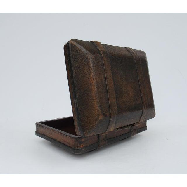 Animal Skin Vintage Italian Tooled Leather Gentlemen's Traveling Hand-Held, Lidded Valet Box For Sale - Image 7 of 13