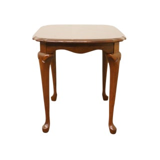 Pennsylvania House Solid Cherry Queen Anne Style End / Lamp Table For Sale